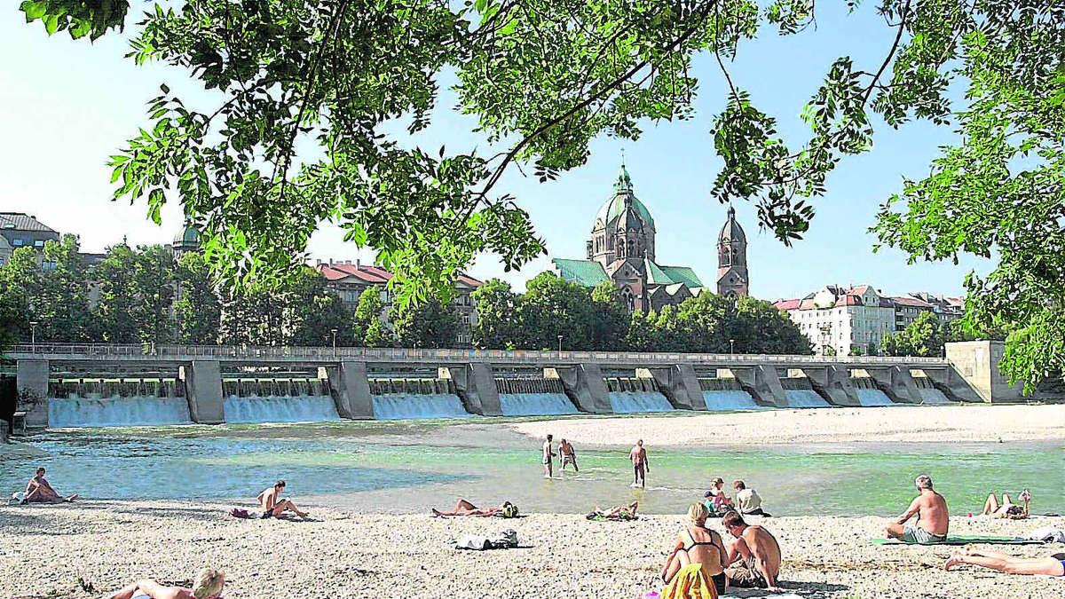 Baden in der Isar: Auf weiten Strecken verboten | Stadt