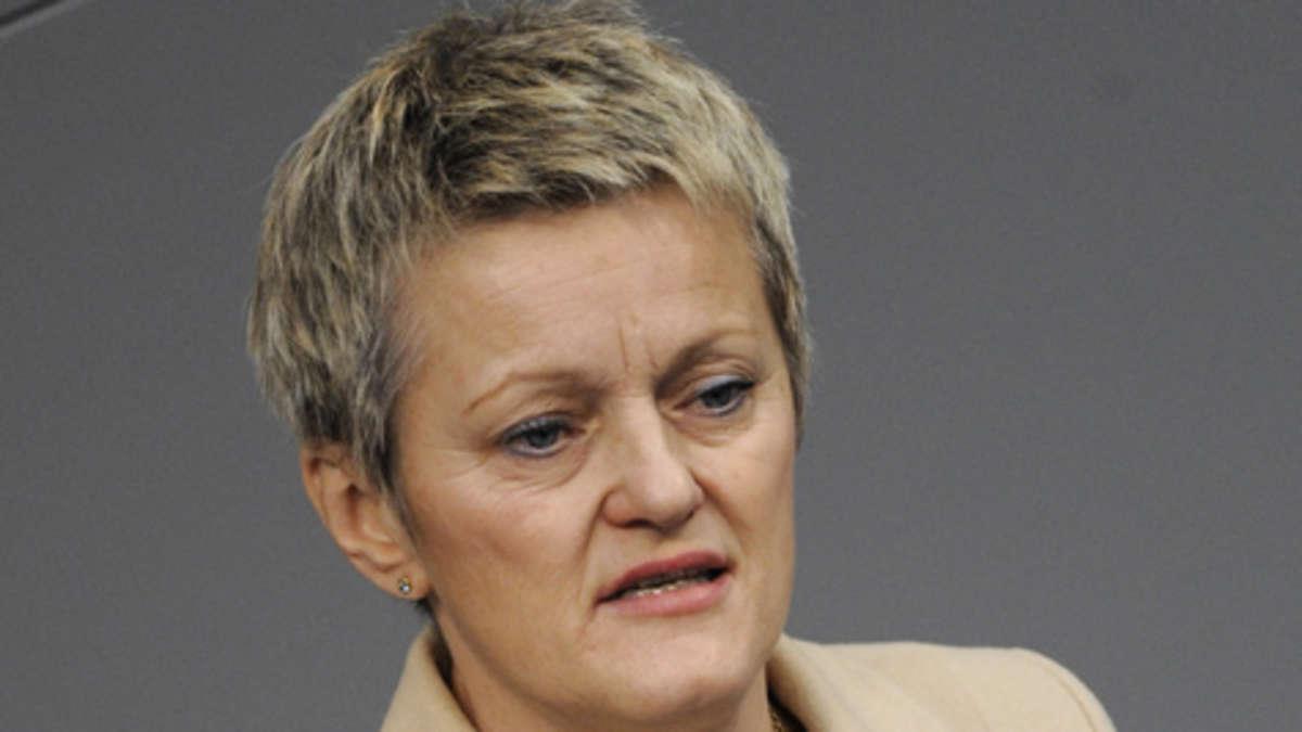 Grünen Fraktionschefin <b>Renate Künast</b> steht Schwarz-Grün in NRW offen <b>...</b> - 142146796-renate-kuenast-gruene-2bef
