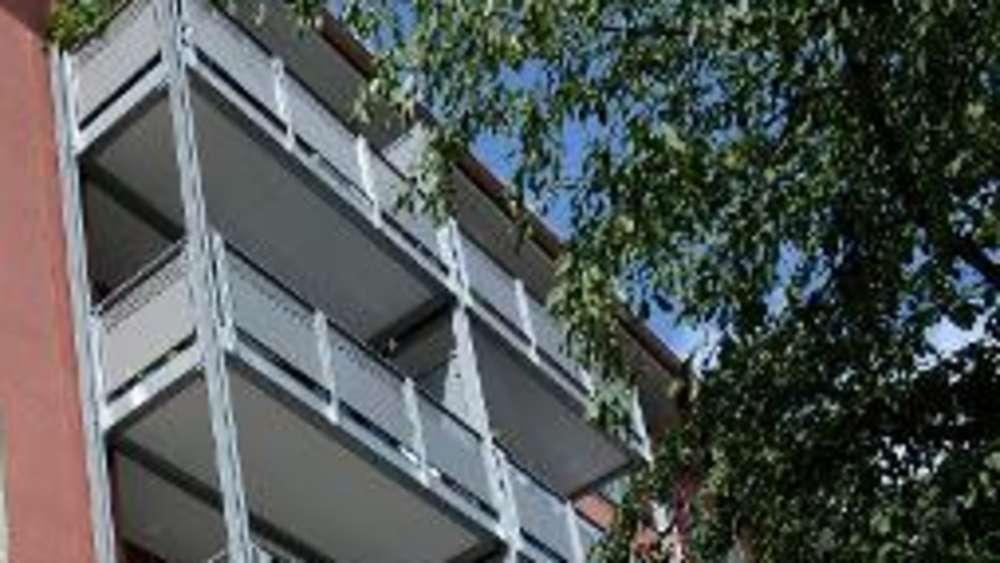 balkone nachtr glich anbauen tipps was bei der planung. Black Bedroom Furniture Sets. Home Design Ideas