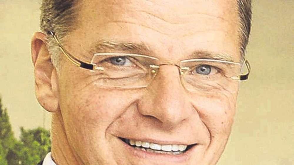 <b>Helmut Lind</b>,Vorstandsvorsitzender der Sparda-Bank München - 1929890424-45116970_526-6ATOuD2vNG