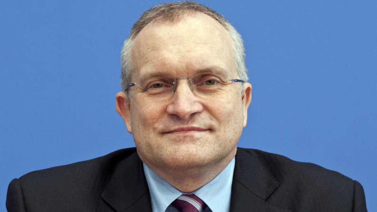 Wirtschaftsweiser <b>Christoph Schmidt</b> warnt vor Steuererhöhungen | Politik - 412631333-christoph-schmidt-3V9mZ8iQef