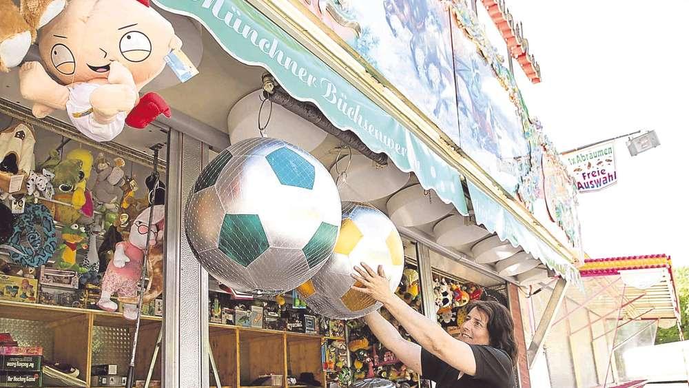 Auch Im Festzelt Steigt Das Fu Ball Fieber F Rstenfeldbruck