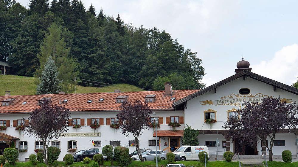 bebauungsplan aufgestellt so l uft die sanierung beim alpengasthof gl ck auf miesbach. Black Bedroom Furniture Sets. Home Design Ideas
