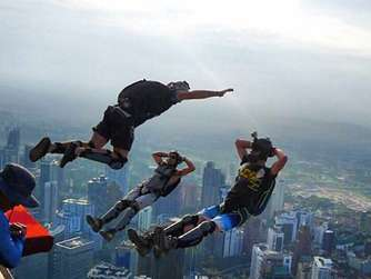 base-jumper-gareth-jones-stuerzt-einer-klippe-australien-stirbt-