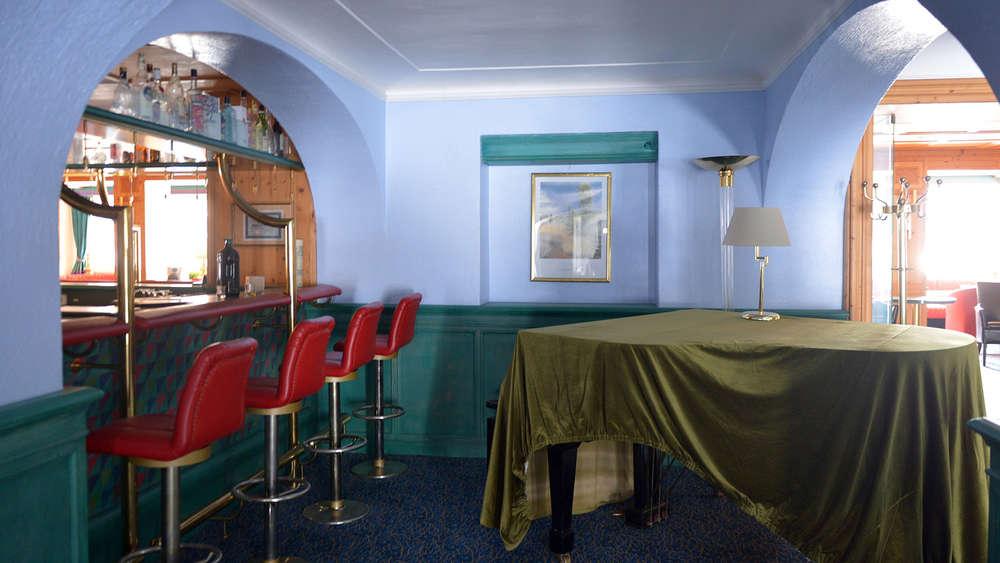bad wiessee wie das hotel lederer zum geisterhaus wurde bad wiessee. Black Bedroom Furniture Sets. Home Design Ideas
