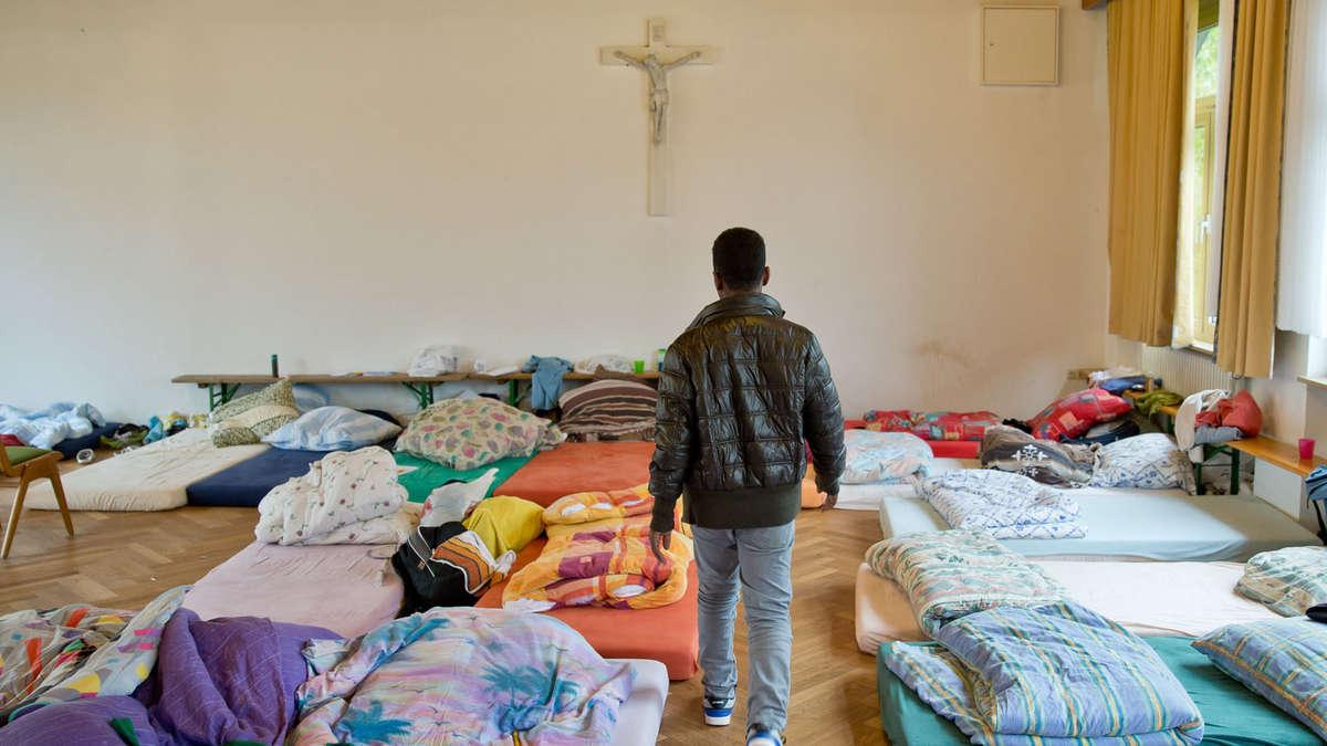 flüchtlinge bekommen prostituierte seines