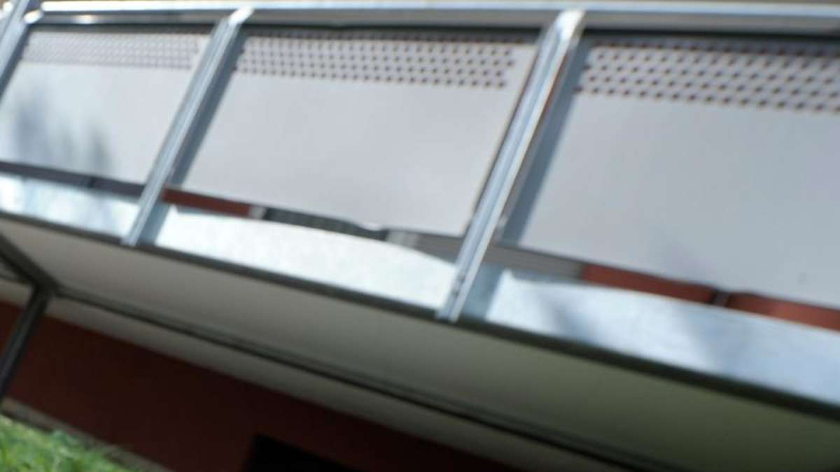 m nchner 38 onaniert auf seinem balkon m nchen nord. Black Bedroom Furniture Sets. Home Design Ideas