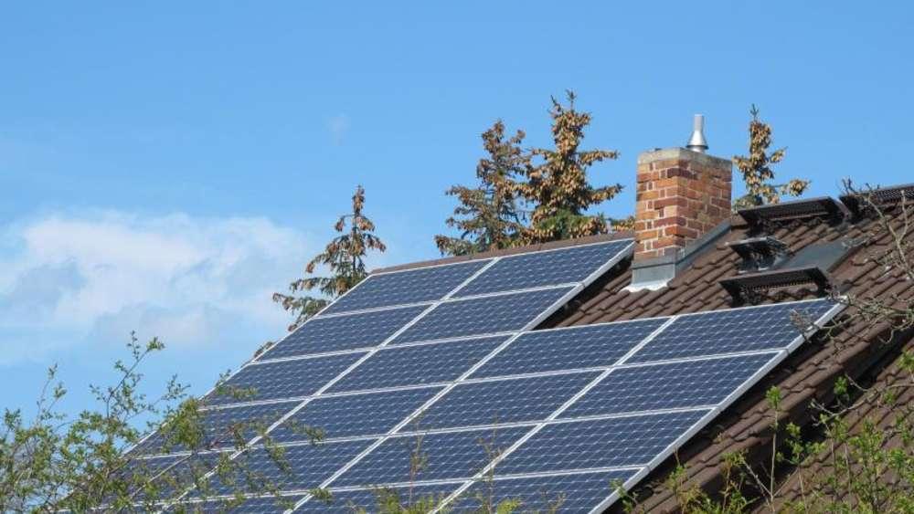 Sonne auf abruf solarspeicher lagern energie vom dach for Ok energie haus