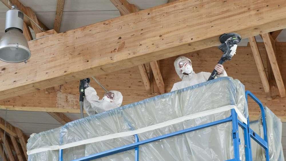schimmel am dach der eishalle des tsv beseitigt weilheim. Black Bedroom Furniture Sets. Home Design Ideas
