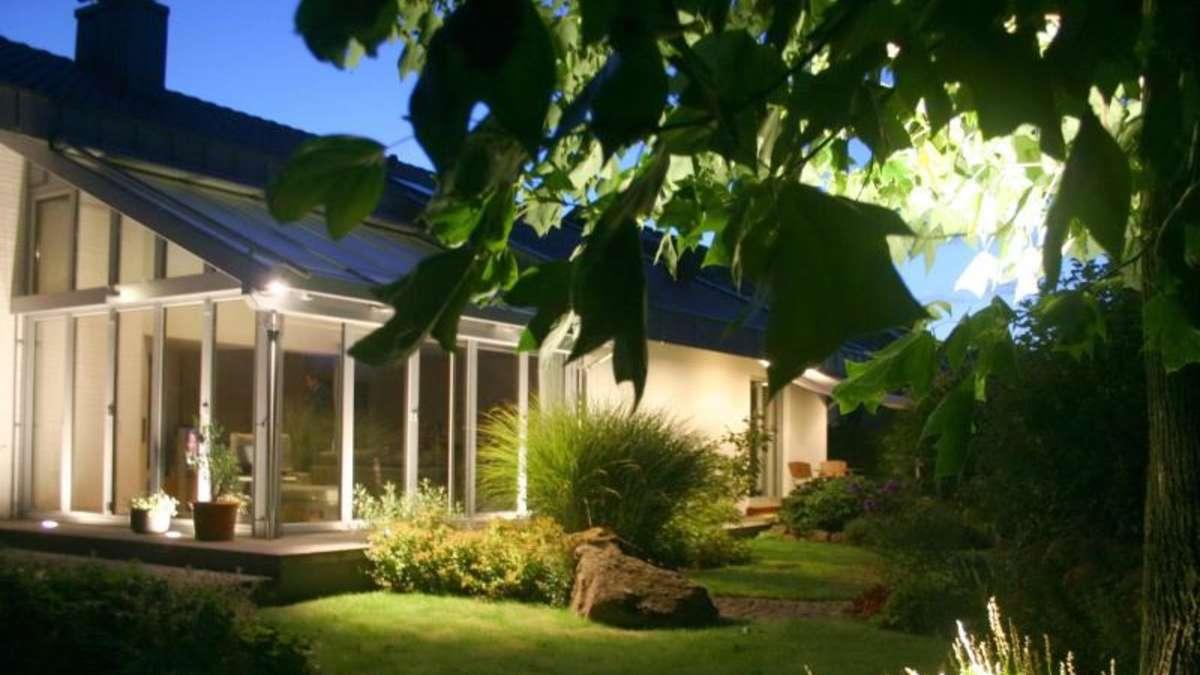 auch an die nacht denken beleuchtung f r den garten wohnen. Black Bedroom Furniture Sets. Home Design Ideas