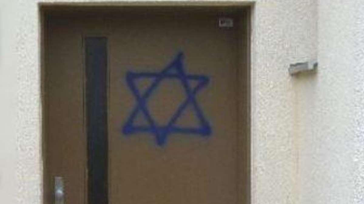 unbekannte spr hen davidsterne an h user von juden m nchen s d. Black Bedroom Furniture Sets. Home Design Ideas