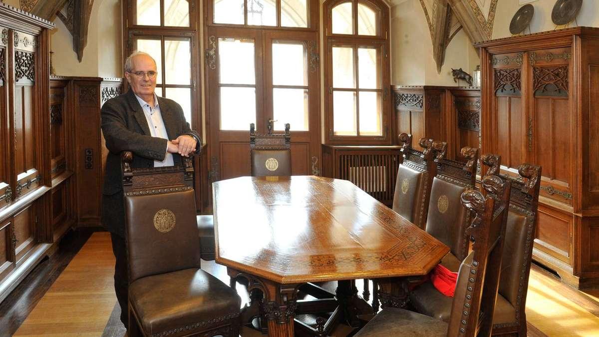 ausverkauf im neuen rathaus csu k mpft f r historische rathaus m bel stadt m nchen. Black Bedroom Furniture Sets. Home Design Ideas