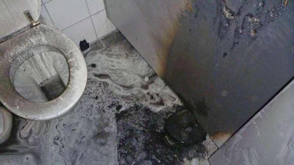 brand in toilette grundschule evakuiert f rstenfeldbruck. Black Bedroom Furniture Sets. Home Design Ideas