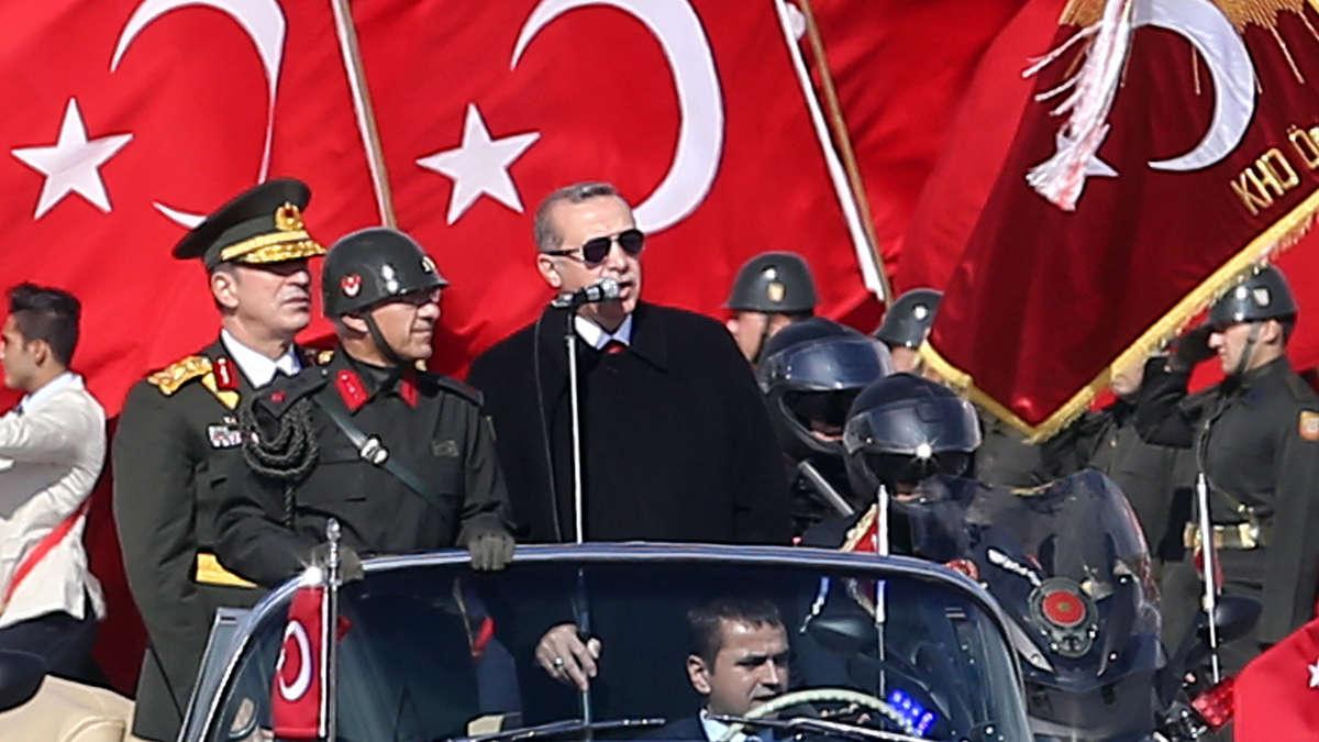 http://www.merkur.de/bilder/2016/07/16/6576068/360024797-erdogan-putsch-tuerkei-inszeniert-Mo7p0qBbdef.jpg