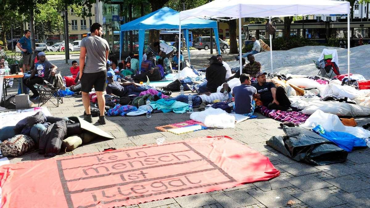 protestcamp am sendlinger tor das planen die fl chtlinge m nchen zentrum. Black Bedroom Furniture Sets. Home Design Ideas