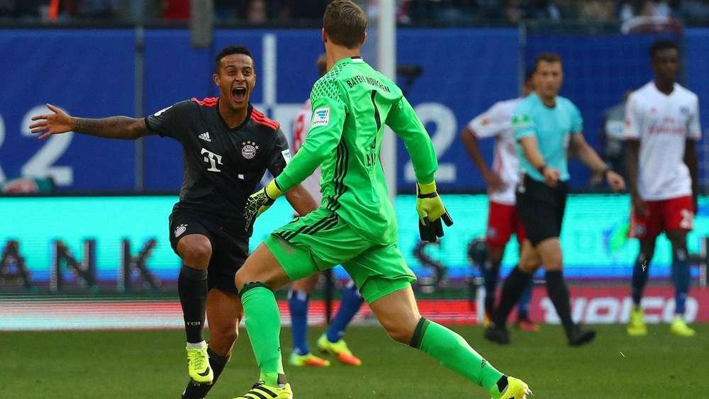 Freuten sich gemeinsam: Thiago und Manuel Neuer.