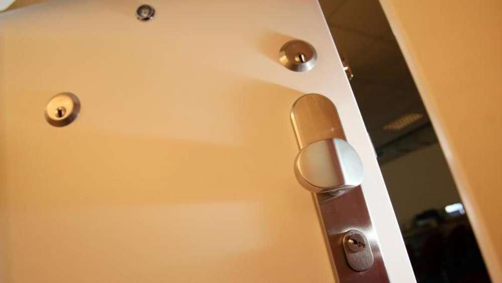 wohnungseinbr che was man wissen sollte wohnen. Black Bedroom Furniture Sets. Home Design Ideas
