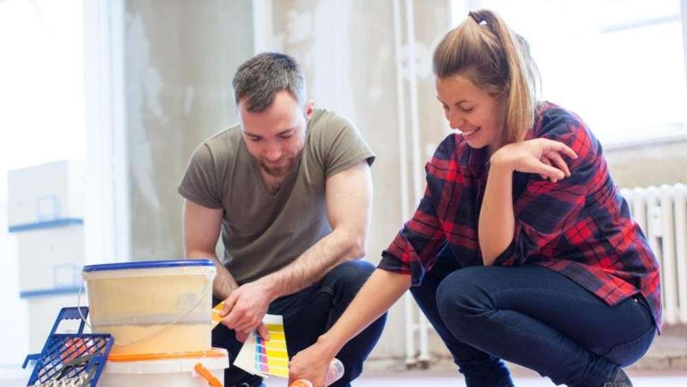 die eigenen w nde streichen wie die profis wohnen. Black Bedroom Furniture Sets. Home Design Ideas