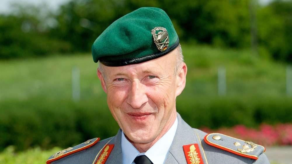Von der Leyen setzt nach Skandalen Chef-Ausbilder des Heeres ab