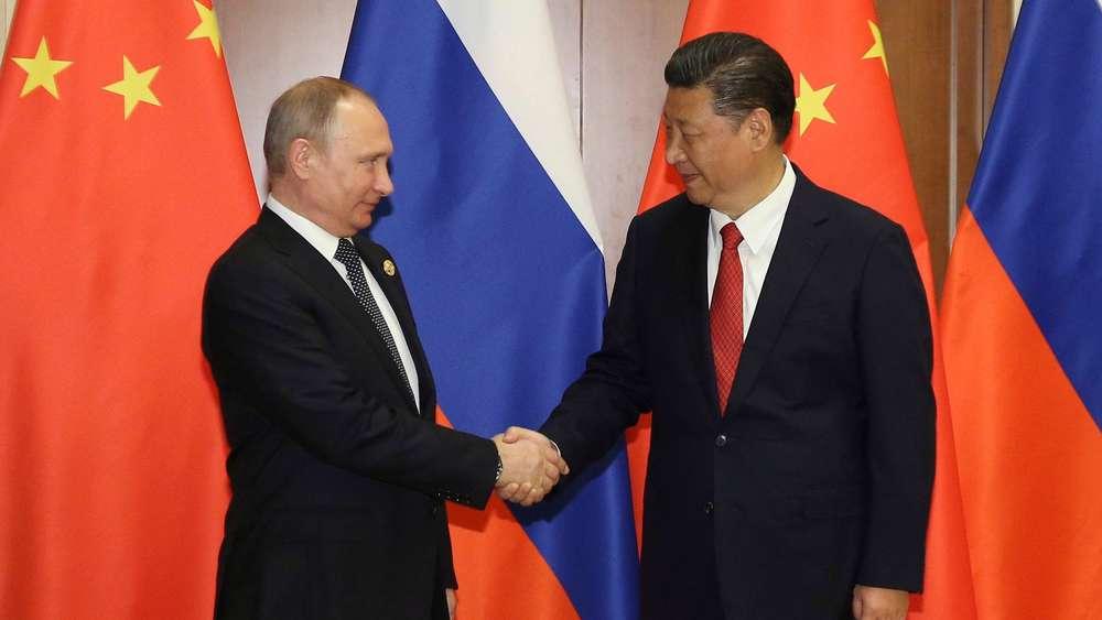 Putin wartet am Flügel auf Xi