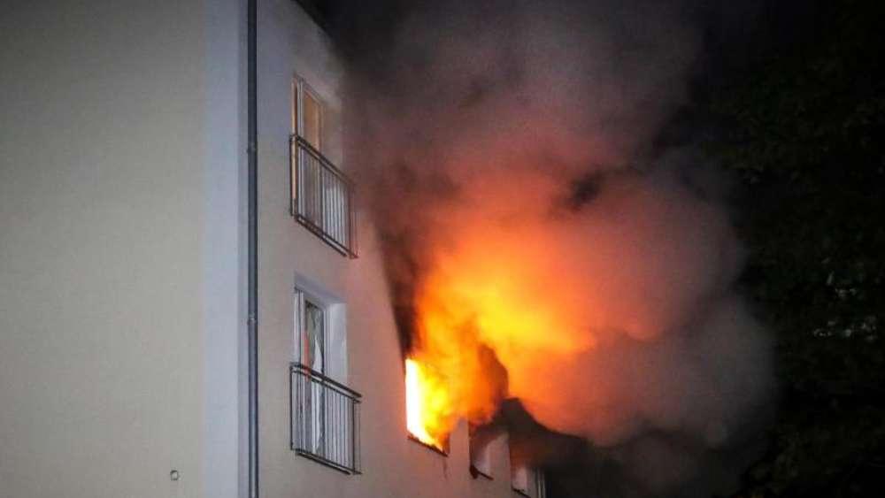 Deutschland - Sechs Verletzte bei Explosion in Mehrfamilienhaus in Flensburg