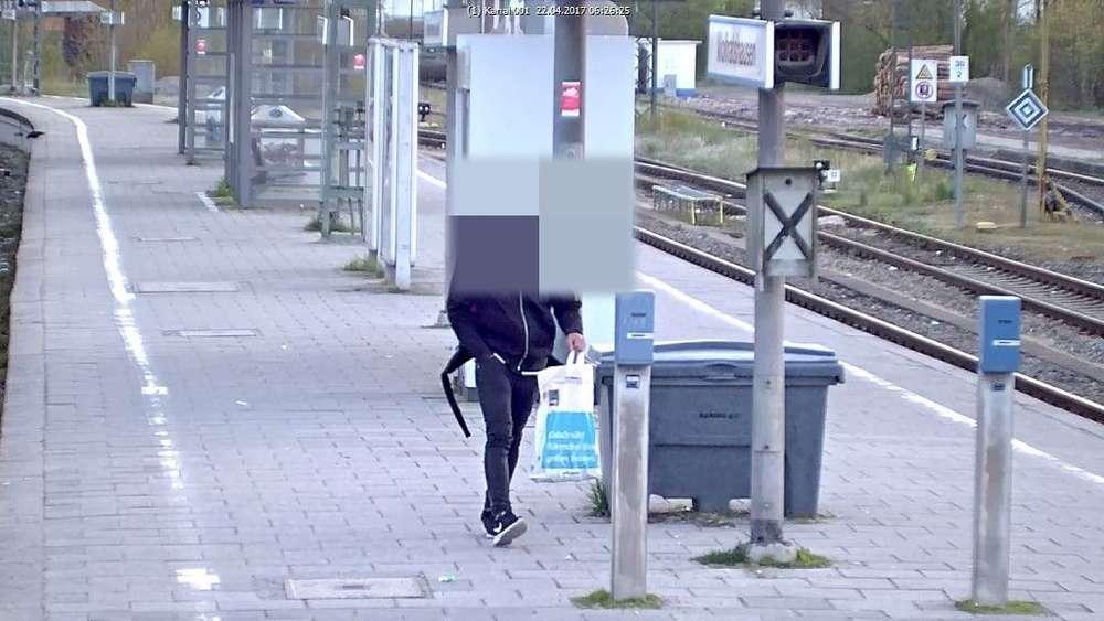 Nach Belästigung in S7: Verdächtiger stellt sich