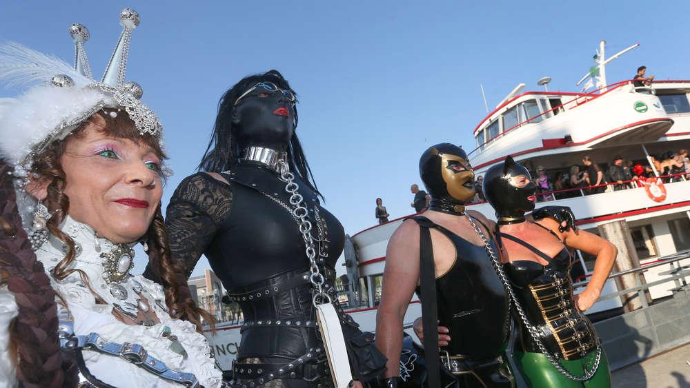 Lack und Leder: Frivole Fetisch-Party am Bodensee