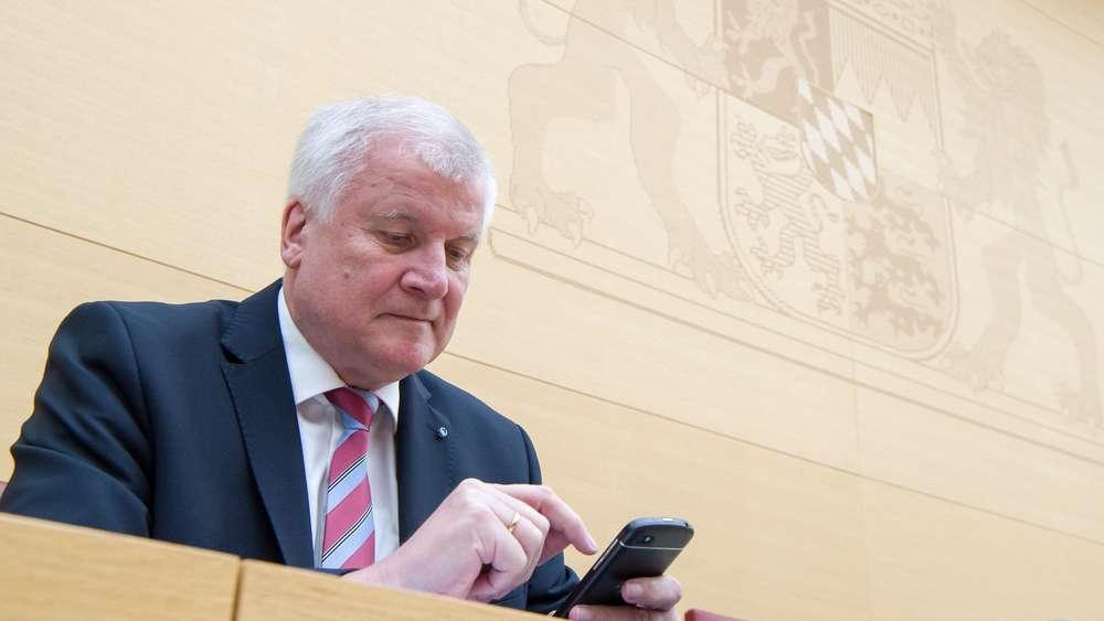 CSU-Chef Seehofer pocht auf nationale Grenzkontrollen