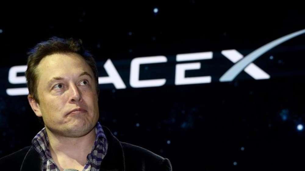 Elon Musk zeigt Produktion von Tesla Model 3