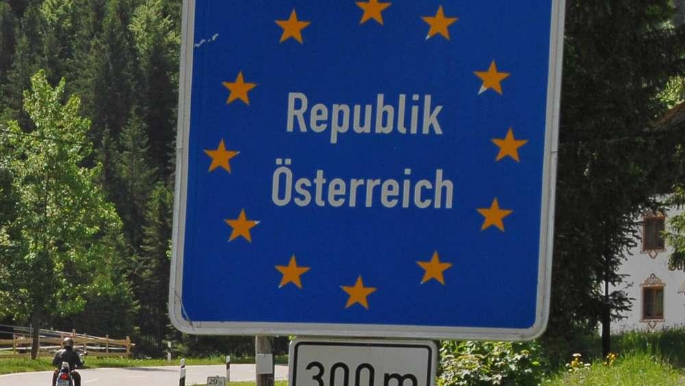 Blockabfertigung für Lastwagen am Freitag in Tirol