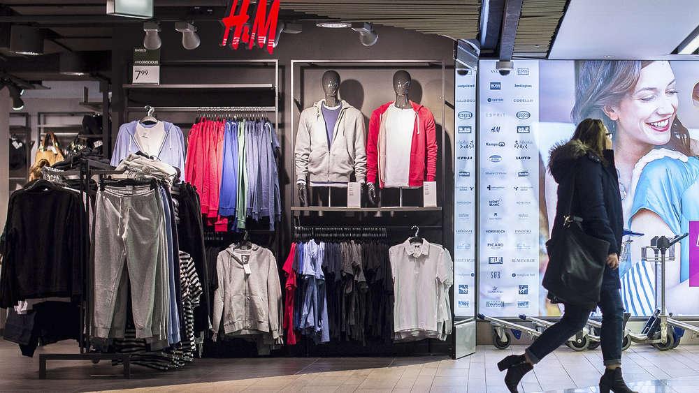 H&M will Läden schließen - Aktienkurs bricht um 16 Prozent ein