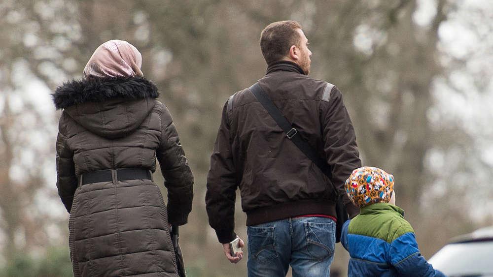 Zahl neuer Flüchtlinge sinkt unter 200 000