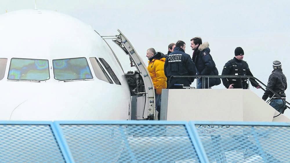 Abschiebeflug nach Kabul gestartet