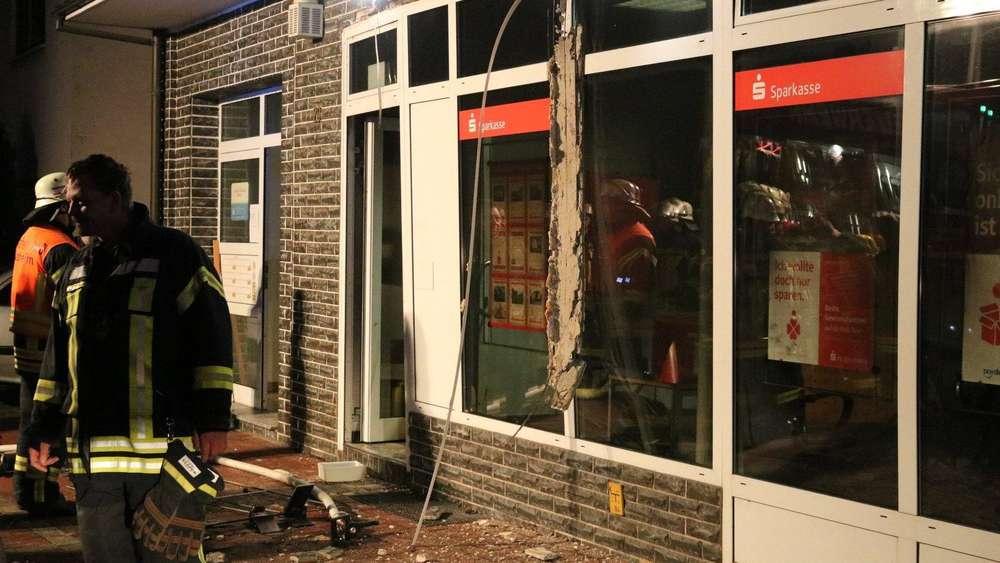 Geldautomat gesprengt: Großfahndung mit Hubschrauber in Unterfranken - Täter flüchtig