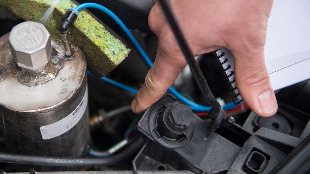 Wirtschaft - ADAC: Diesel-Nachrüstung reduziert Stickoxid-Ausstoß um die Hälfte