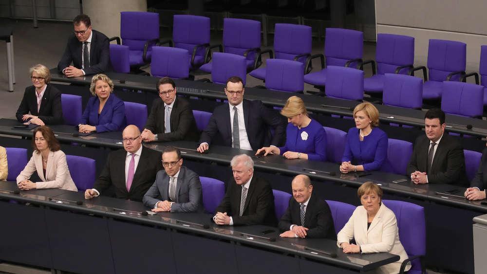 Merkel: Flüchtlingskrise hat Gesellschaft gespalten