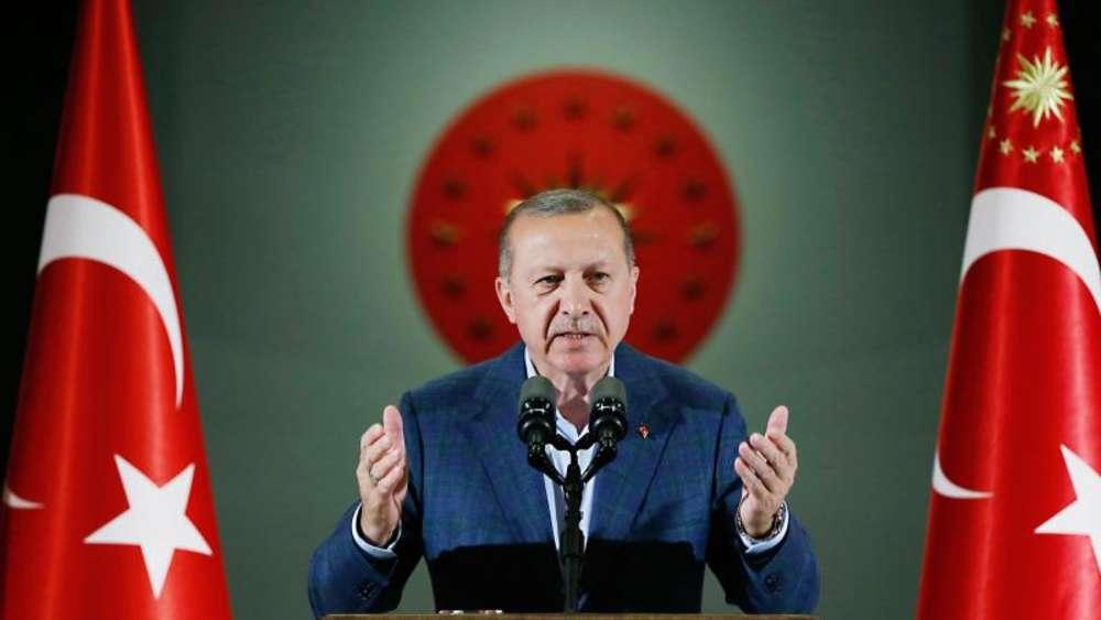 Türkische Wirtschaftspolitik - In der Krise der Lira wirkt Erdoğan hilflos