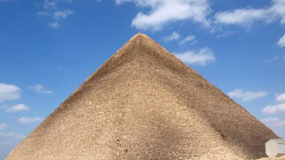 Aufregung in Ägypten: Bild mit nacktem Paar auf Cheopspyramide