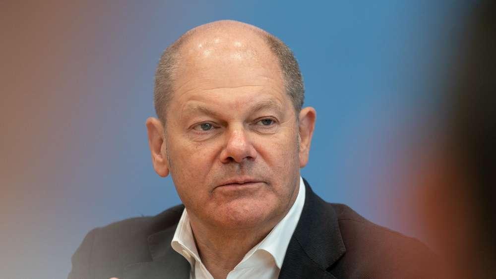 SPD-Vorsitz: Kramp-Karrenbauer nennt Scholz' Kandidatur
