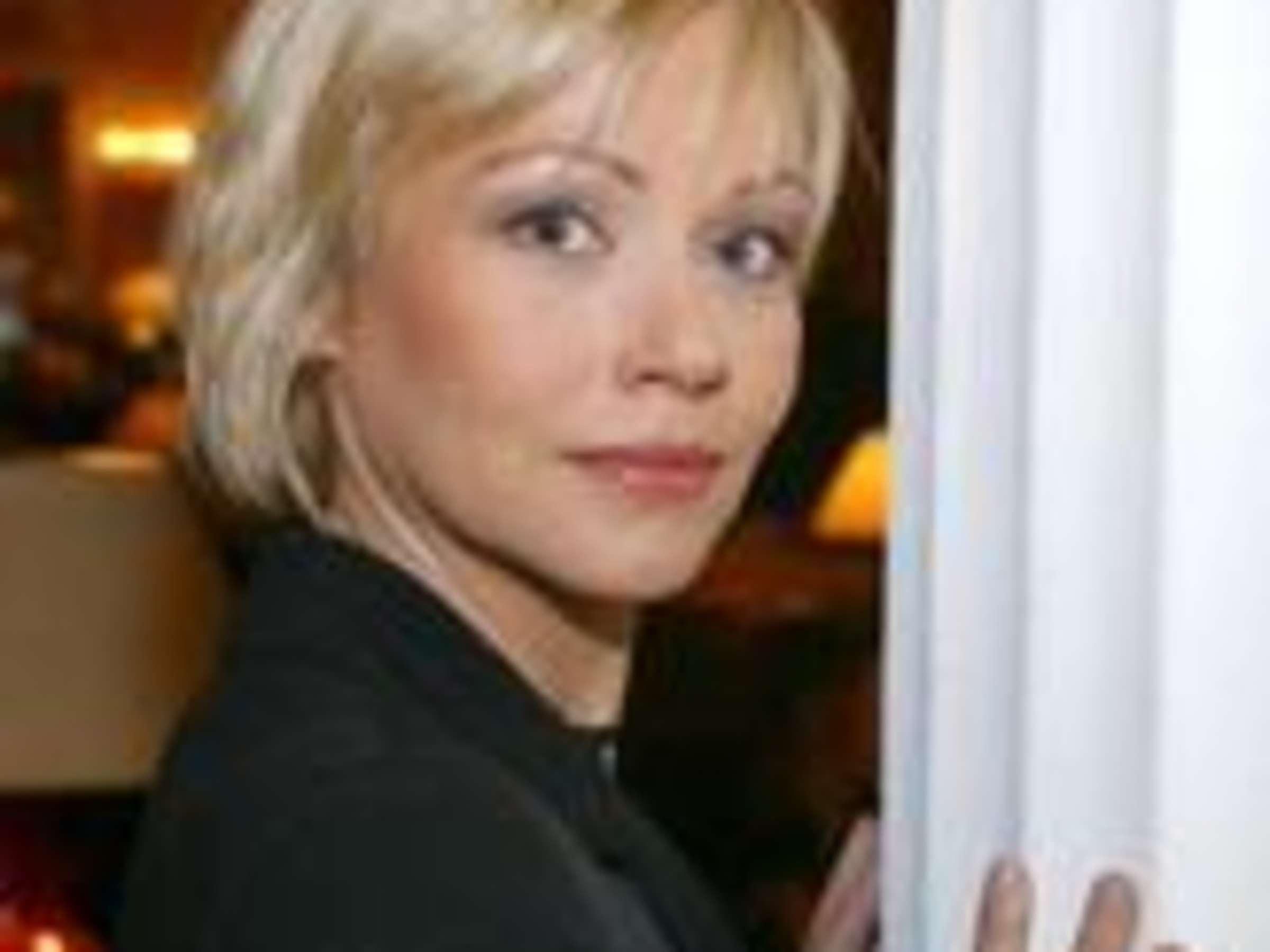 Blonde locken schauspielerin deutsche Stars mit
