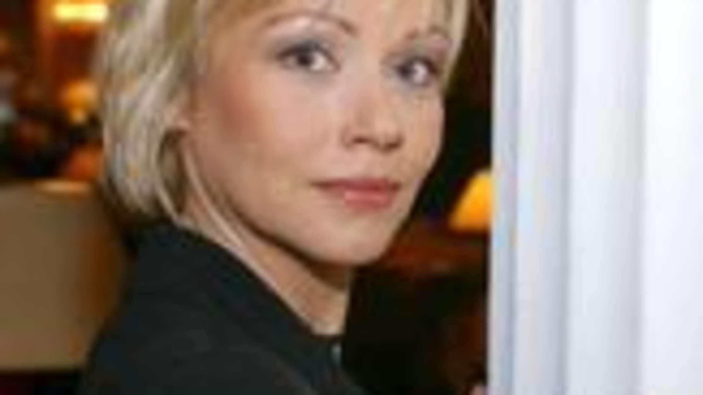 Schauspielerin Jennifer Nitsch Sturzt In Den Tod Regionen