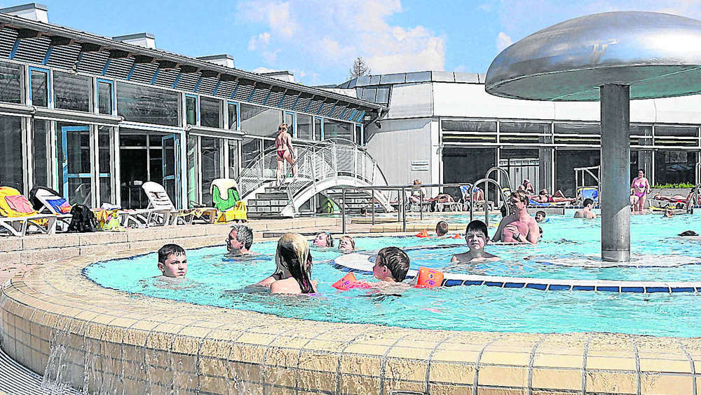 Pullach Schwimmbad freizeitbad will sich für zukunft über wasser halten münchen landkreis