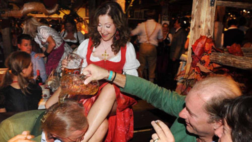 Der Almauftrieb in Käfer\'s Wiesnschänke. | Oktoberfest