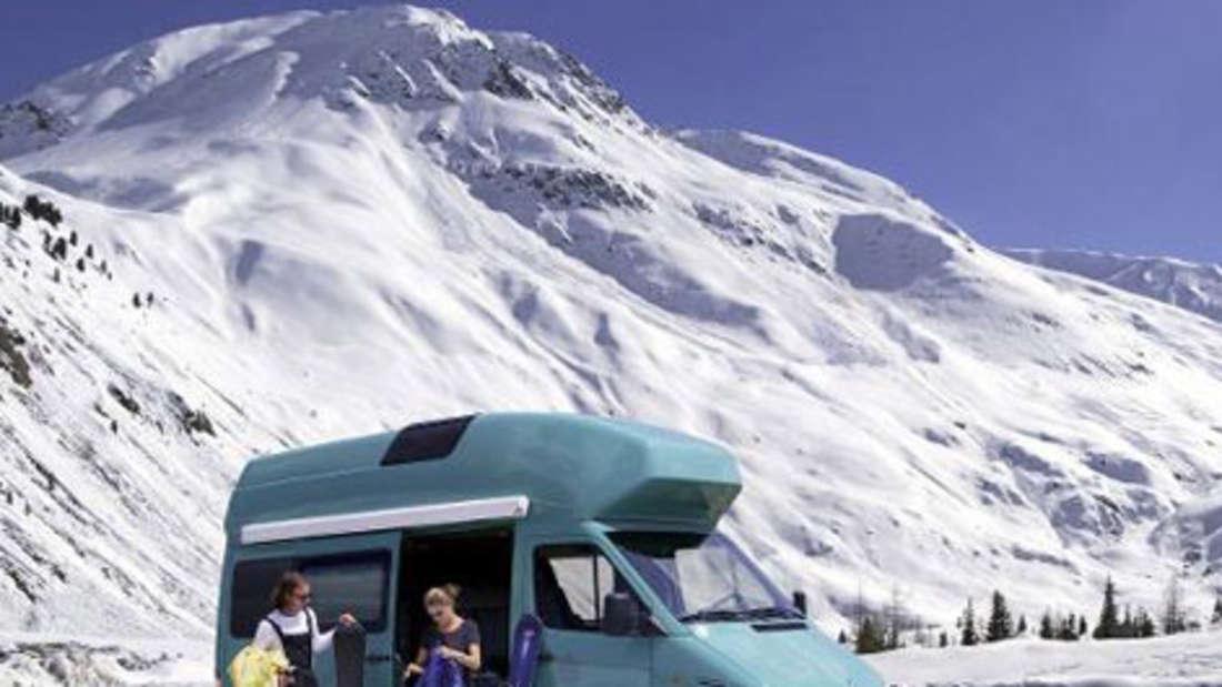 Camper Winter Ski Schnee