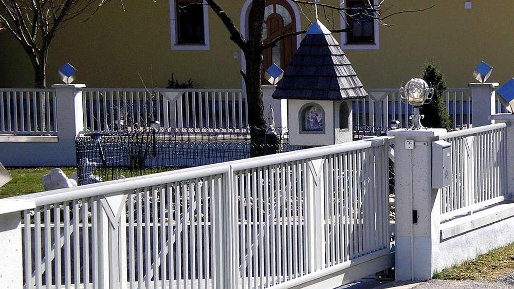Ein Optisch Schoner Zaun Verleiht Dem Grundstuck Den Passenden