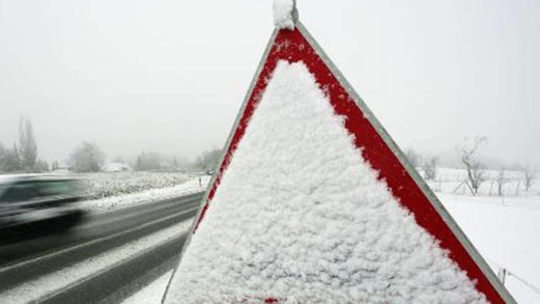 Schild Schnee Strasse