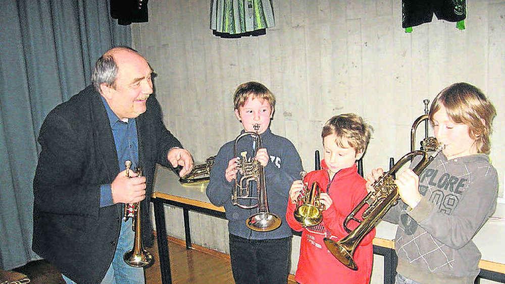 Großes Mädchen Saxophon