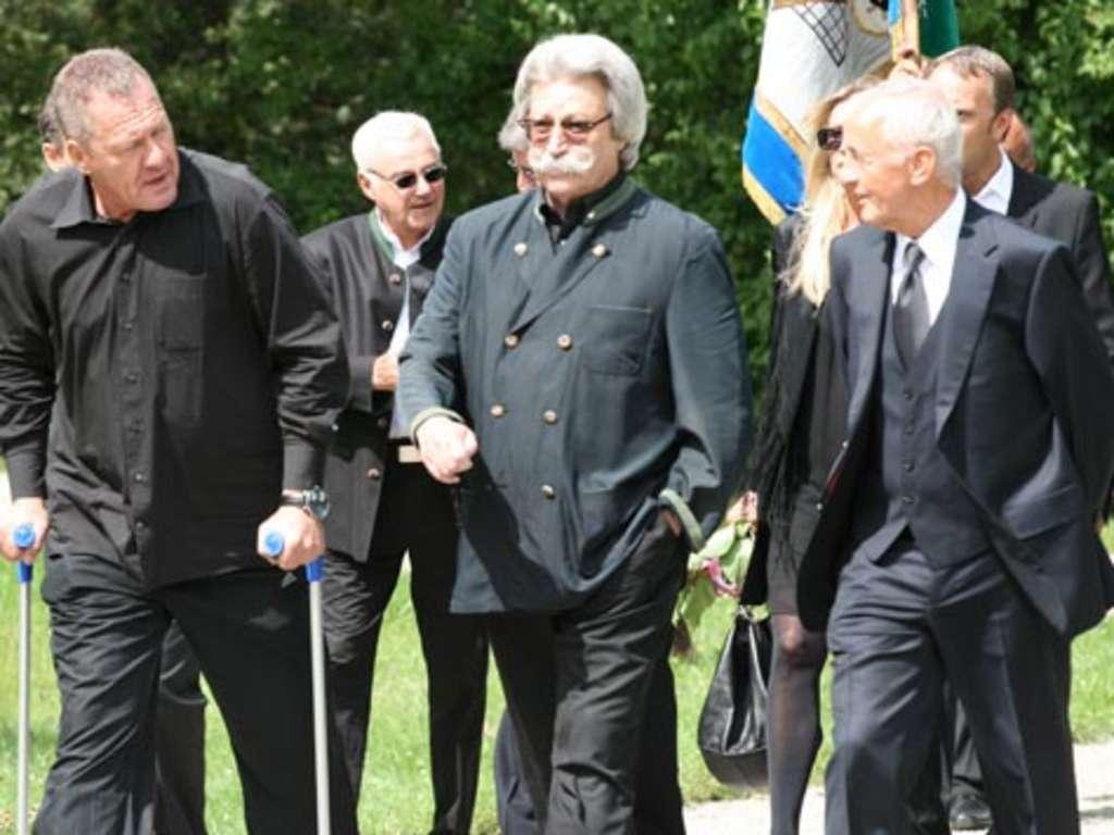 Karl Heinz Wildmoser Beerdigung Stadt Munchen