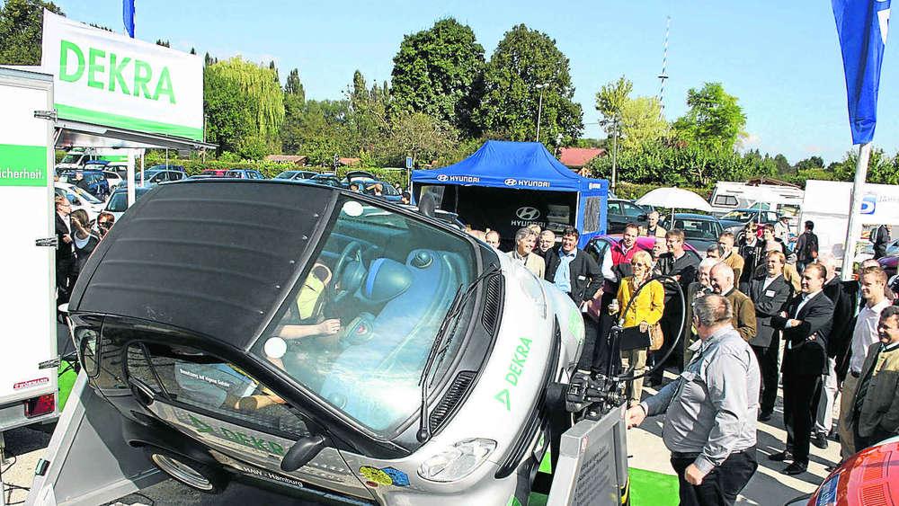 Immer mehr edles Blech: Automobilausstellung sprengt den Rahmen | Erding
