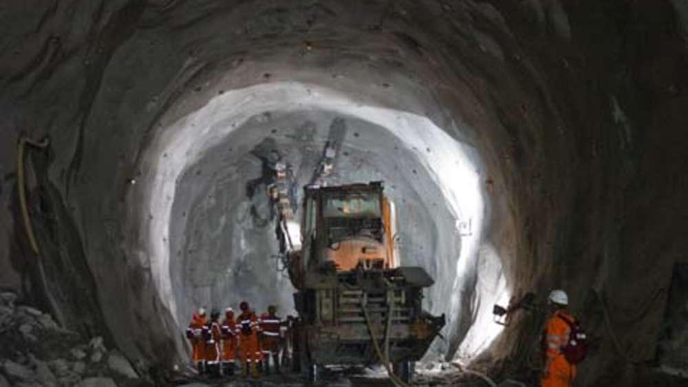 Durchstich Im Längsten Tunnel Der Welt Welt